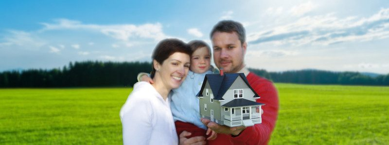 Familie mit Eigenheim